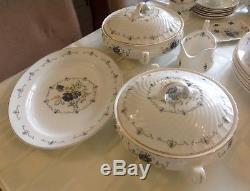 Beautiful Vintage Mayfair Fine Bone China Dinner Set Service / Coffee & Tea Set