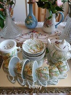 Vintage Molling design Pillivuyt France Tea Cup / Coffee Cup Set