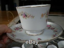 Sone Vintage Fabriqué Au Japon Ensemble À Thé Ou À Café En Porcelaine 30 Pièces Plats Floraux