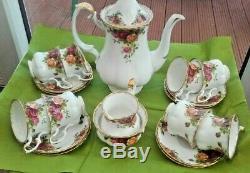 Vintage Set Pays Royal Albert Roses Café (8 Tasses Et Soucoupes Lait Sucre)