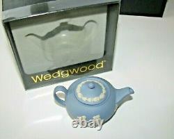 Vintage Wedgewood Jasperware Miniature Blue Tea - Café Mis Dans Des Boîtes Originales